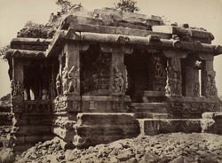 Iwullee. East front of the temple. [Durga Temple, Aihole.]